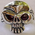 06L. Lil Stink Eye Silver Skull Ring.jpg