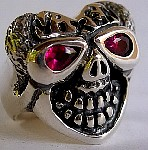 12HS. Heart Skull Ring 4 Red Hot Jen.jpg