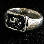 34. Solo Cross Ring (silver).jpg